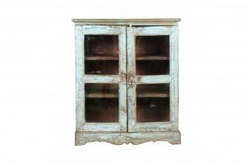 babyblauw houten vitrinekastje