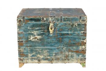 verweerde blauwe kist van hout