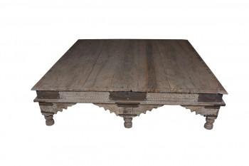 antieke salontafel van onbehandeld hout