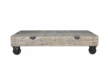 Houten salontafel op wielen