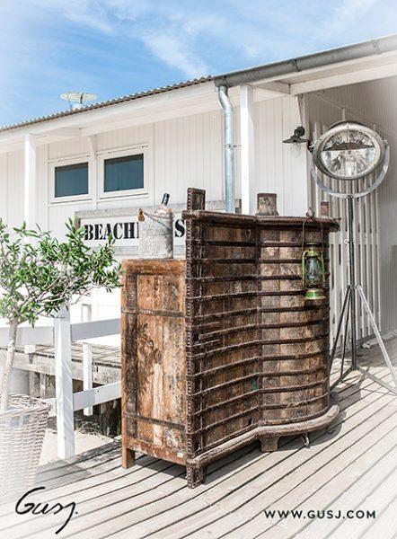 Leuke maar vooral unieke bar voor een strandtent
