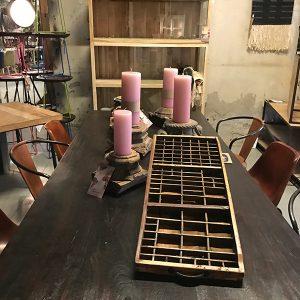 Grote en kleine letterbak van hout, vintage uitstraling