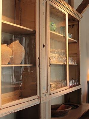 Buffetkast voor horeca, mooi met glaswerk